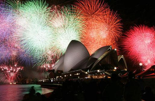 apec_australia_2007_sydney_opera_house_fireworks